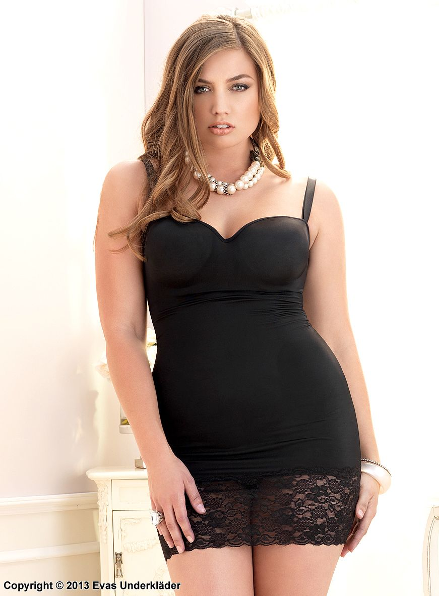 Kort klänning med bred spetskant, plus size